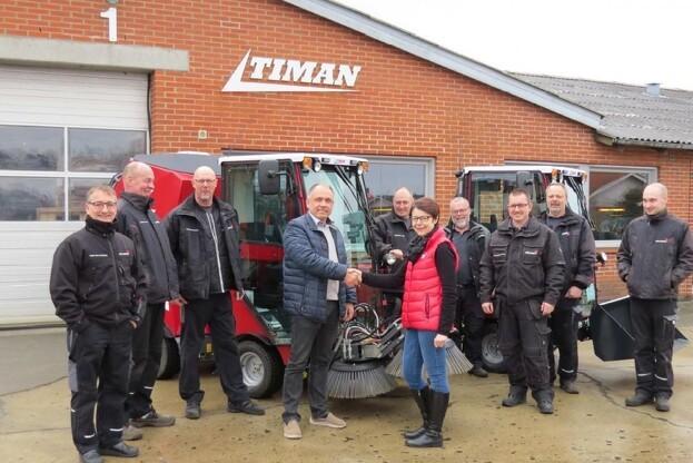 FællesBo har fået leveret to nye Timan 3400 redskabsbærere. Pressefoto.