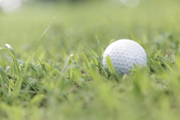 Golfklub sparrer med NCC
