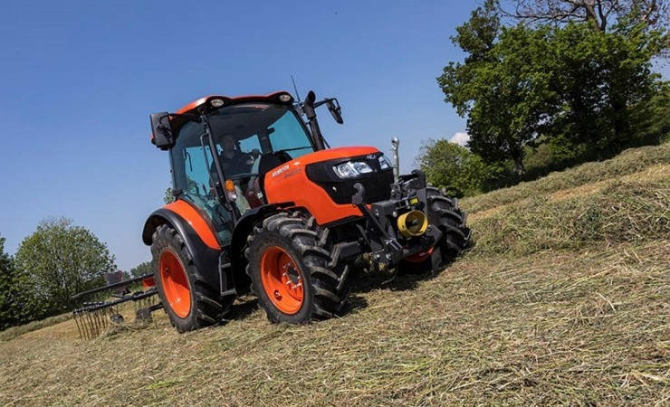 Kubota har ny højmavet traktor klar