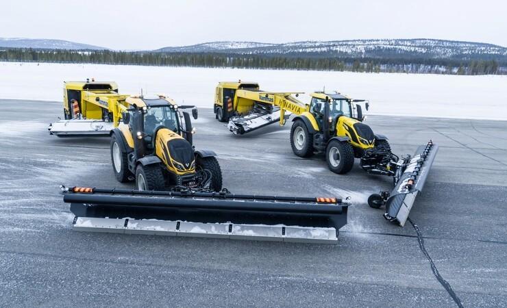 Førerløse traktorer sørger for snefri landing