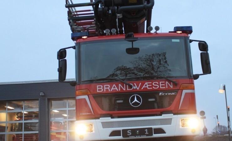 Skovlfabrik klarer skærerne efter brand