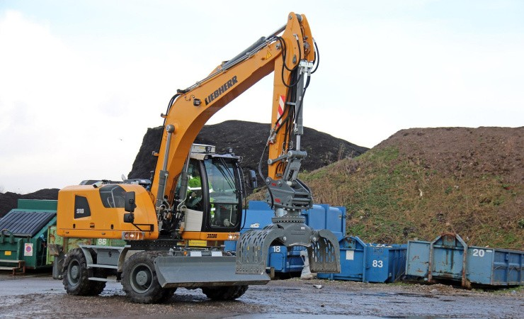 Ny gravemaskiner afløser forgænger med 10.000 timer bag sig