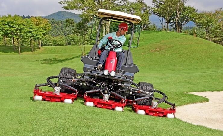 Maskiner under Broen forstærker samarbejdet med golf- og boldbanefolket