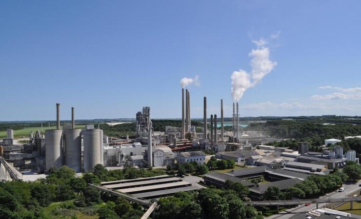 Regeringen indgår CO2-reducerende samarbejde med cementproducent