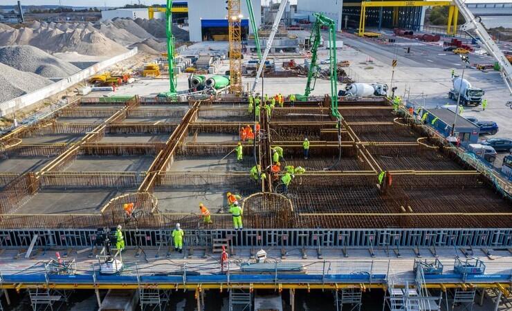 150 lastbiler i pendulfart sikrede beton til Storstrømsbroens pylonfundament