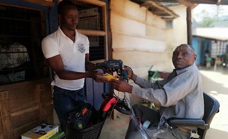 Gammelt værktøj skaber nye håndværkere i Sierra Leone