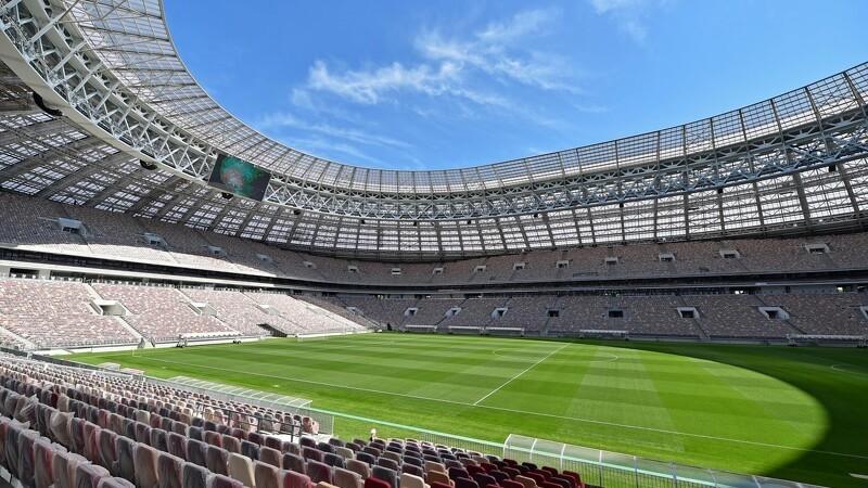 DLF-græs på otte russiske stadioner
