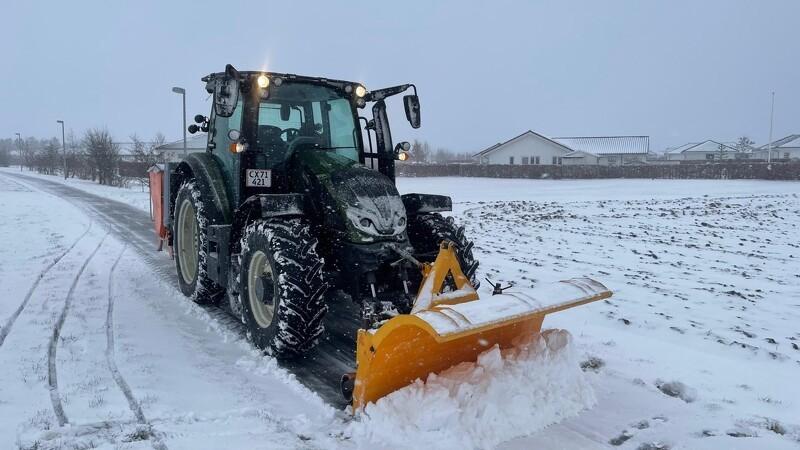 Svend investerede i ny traktormodel til sin vintertjeneste