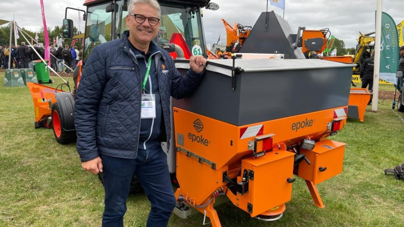 Opdateret kompakt kombi-maskine klar til vinterudfordringer
