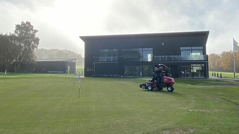 Golfklub tog el-skridt i grønnere retning